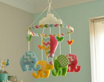 Baby Elephant Mobile / Nursery felt Hot Air Balloon / Baby Nursery Elephant Mobile / MADE TO ORDER