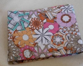 Coupon Tissu 100% COTON 45x45 cm moderne, fleurs et technologies pour couture patchwork scrapbooking décoration cartonnage