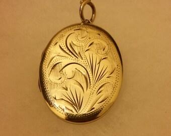 Sterling Silver Hallmarked Vintage Locket