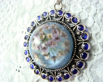 Tender flowers resin jewelry