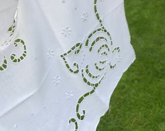 Embroidered white linen tablecloth, with decorative edge. 40 inches square. Home decor country style / chic. Afternoon tea. Tearoom.