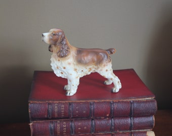 "Handsome Vintage English Springer SPANIEL DOG Figurine E108 - Tan Brown Spotted Speckled Classic Traditional Porcelain - 6"" long by 5"" tall"