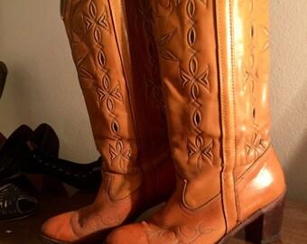 "Vintage 1970s Womans Rocker Fashion Cowboy Boots  Size 7'1/2"""