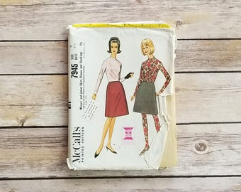 Leggings Sewing Pattern McCall's 7945 Skirt and Blouse Stockings Sewing Pattern Teen Casual Outfit Long Sleeved Shirt Vintage Office Look