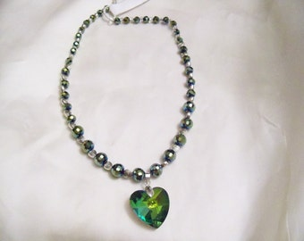 Green Emerald heart necklace with antiguye silver hearts sting necklace