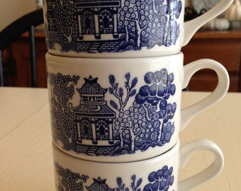 Vintage Blue Willow Coffee Cups Mugs, Made in England, Set of 3, 1980's