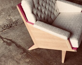 The first Higgs chair, capitonated mid century chair
