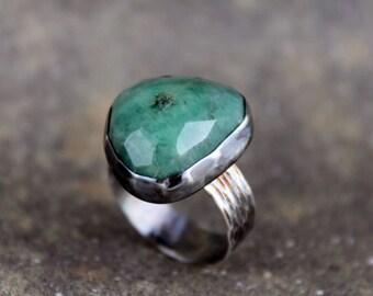 Emerald Ring  -  May Birthstone Ring - Green Gemstone Ring - Rustic Emerald Ring - Sterling Silver Statement Ring
