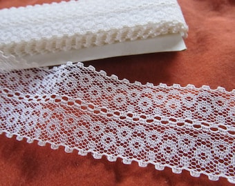 IVORY OVAL LACE 1 1/2 inch wide  -- (144 inches - 4 yards)