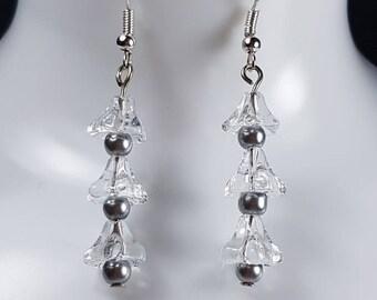 Clear flower earrings. Gift for her. Bridesmaid earrings. Party Earrings. Lucite flowers. Dangle earrings. Simple flower earrings.