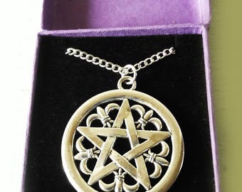 White Metal Pentacle Pendant and Chain - Original Box