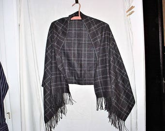 Vintage Gray White Check Fringe Shawl Flannel Poly Blend