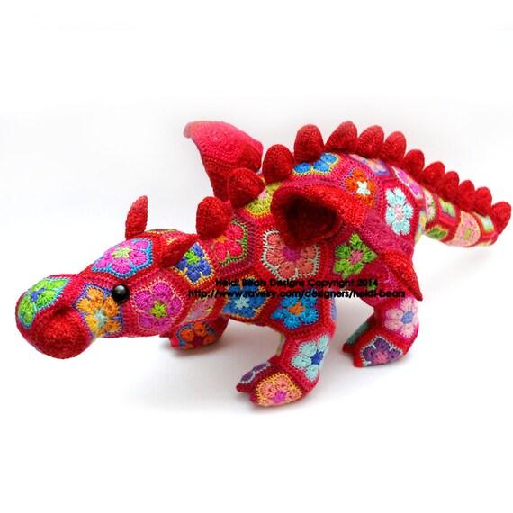 Smaug el dragón de la flor africana ganchillo patrón