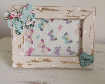 """Shabby Photo Frame With Butterfly 4"""" x 6"""" Gift For Her Shabby and Chic Picture Frame Wooden Heart"""