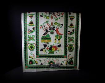 Dutch Linen Towel, 1960s Linen Towel, Linen Tea Towel, Parisian Prints Linen, Vintage With Label, Green and Beige, PA Dutch, 28 in x 16 in