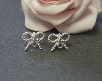 x 1 pair of stud earrings silver plated copper BO19 twisted bow