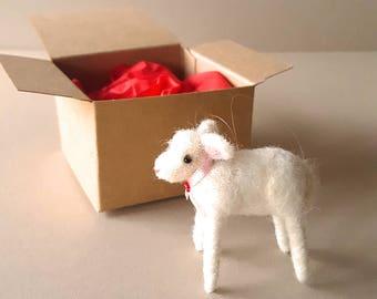 Sheep countryside theme Christmas ornament, white lamb, needle felt animal decor, farmhouse kitchen holiday decoration