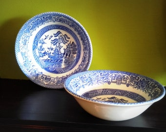 Pair of Vintage EIT Blue and White Willow Pattern bowls Made in England & Eit england | Etsy