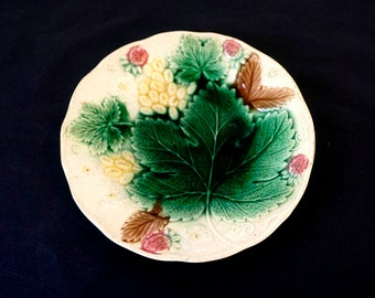 Antique French Majolica Plate - Vine Leaf, Strawberry & Flower Pattern -  Antique Plates - Decorative Plates - French Majolica