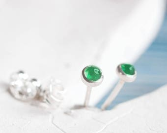 Tiny stud earrings with Emerald stones, sterling silver, minimalist stud earrings, dainty earrings, May Birthstone, 3mm studs