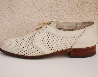 Vintage White Leather Oxford Shoes Men's White Leather Perfed Shoes Mens Perforated Shoes Mens Rockabilly Made in Canada Shoes