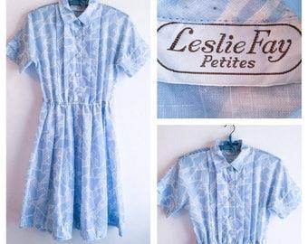 60s Vintage || Dress || Full Skirt Dress || Leslie Fay Petites || Elastic Waist || Blue & White || Summer Day Dress || Size S-M
