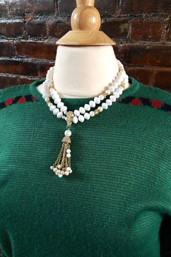 Vintage white beads & gold chains groovy Mod 60's gogo outasight choker ready to dance