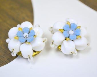 1960s White Flower Bead Cluster Clip Earrings