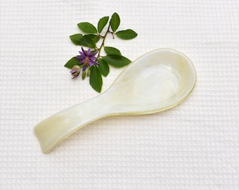 Fused glass spoon rest or dish in clear with feathery pattern in off-white, french vanilla
