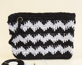 Spring sale Chevron clutch purse Black and White Clutch Gift for her Braidesmaid Bag Chevron bag Bridesmaid gift Wedding Hadbags