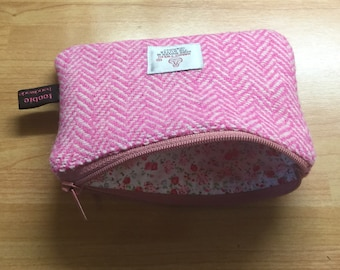 Harris Tweed pink herringbone coin purse, zipped coin pouch, change purse, scottish gift, friend gift