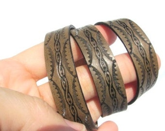 Roped and scalloped edge Triple wrap Leather Bracelet