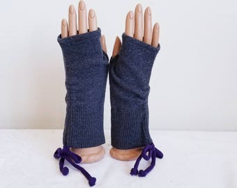 Ruched Fingerless Gloves in Gray and Purple Merino Wool