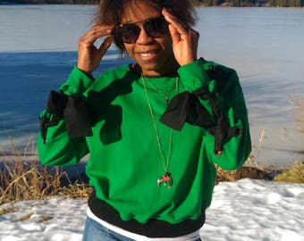 GREEN HOODIE (Sweatshirt cotton with lace sleeves)