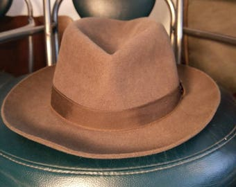 CHRISTIE'S of LONDON/ vintage with tags /FOLDAWAY/ Brown felt hat/ travel in style!