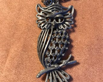 Sleepy Owl Pewter Necklace- Vintage