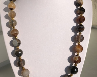 Agate-Collier in earth tones