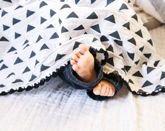 Little Toes Swaddle