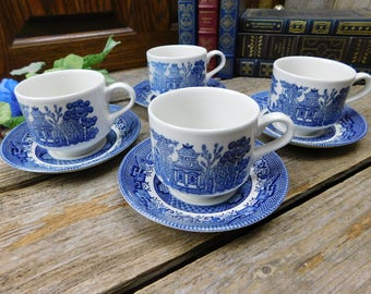 Set of 4 Vintage Churchill Blue Willow Cups and Saucers - England