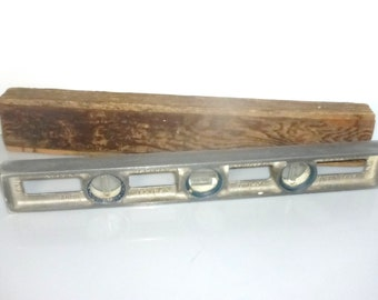 "60418A Vintage LEVEL by Sands Levels Canada 18"" long with Wood Box Tell The Truth Levels Antique Level Antique Tool"