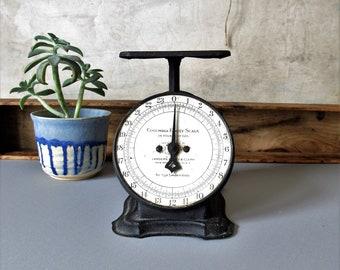 Vintage metal kitchen scale, rustic kitchen scale, farmhouse kitchen decor