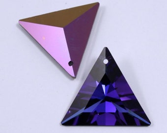 6209 30mm Heliotrope Triangle Pendant #591