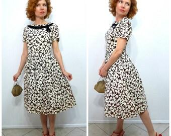 Vintage 40s dress - Beautiful 40s Pleated skirt Black Velvet trim Fish print  S
