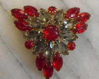 CHERRY RED & SMOKY  Quartz Triangular Brooch