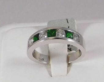 Diamond and Tsavorite Ring (Band Style). Diamond(0.50cts) & Tsavorite(0.51cts) (All Natural)