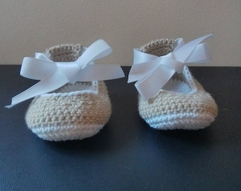 Cotton Baby Slippers Ballet flats size 0 to 3 months in beige and white
