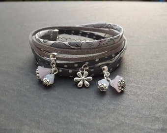 liberty bracelet and suede 2 towers 'white flowers'