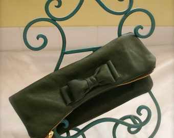 Little Bow Clutch