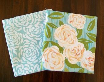 2 x Fat Quarters Aqua Roses Patchwork Quilting Fabrics