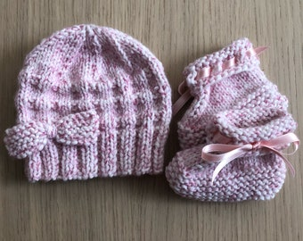 Baby beanie and matching booties